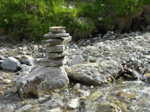 Steine im Fluss | Kosmetik Anabelle Scheer